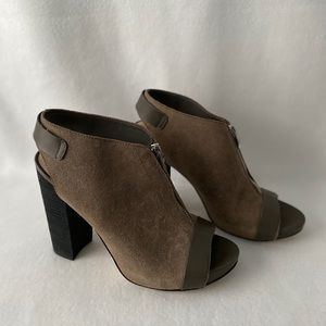 Fergie Rowley Peep Toe Size 9.5M Leather Booties